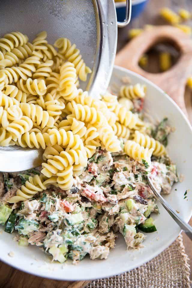 Simple Tuna Rotini Salad | thehealthyfoodie.com