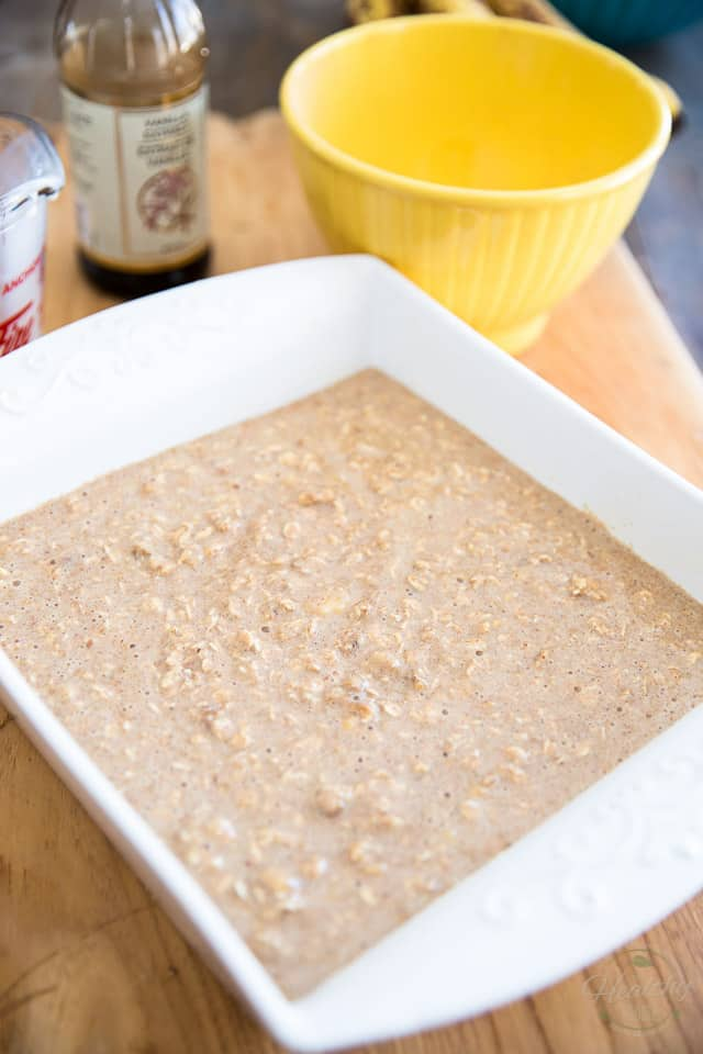 Banana Baked Oatmeal by Sonia! The Healthy Foodie | Recipe on thehealthyfoodie.com