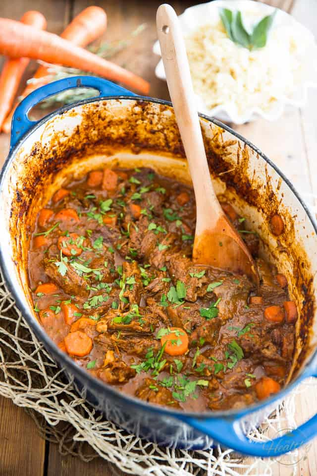 Rainy and cold out? This comforting Garlic and Carrot Braised Beef is the perfect solution to put a little bit of sunshine in your day!