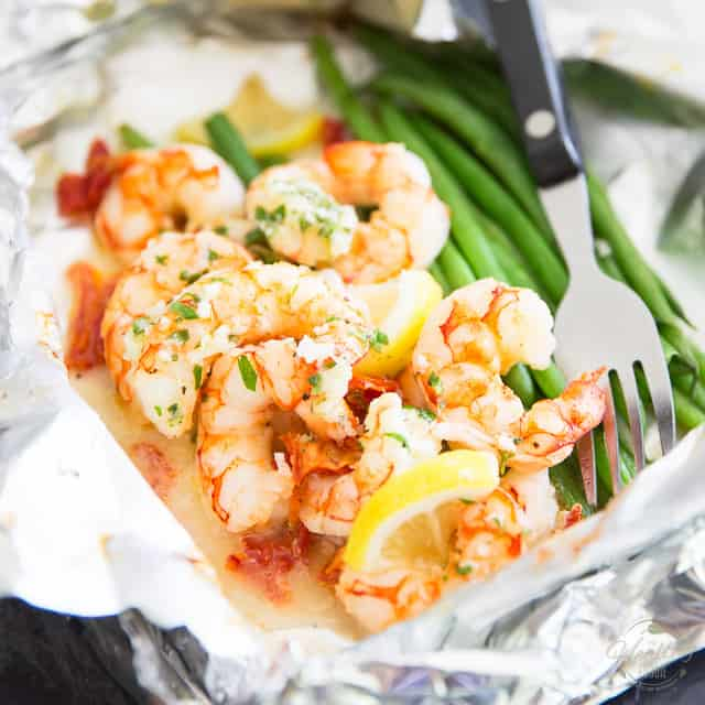 Lemon Garlic Shrimp Foil Packets The Healthy Foodie