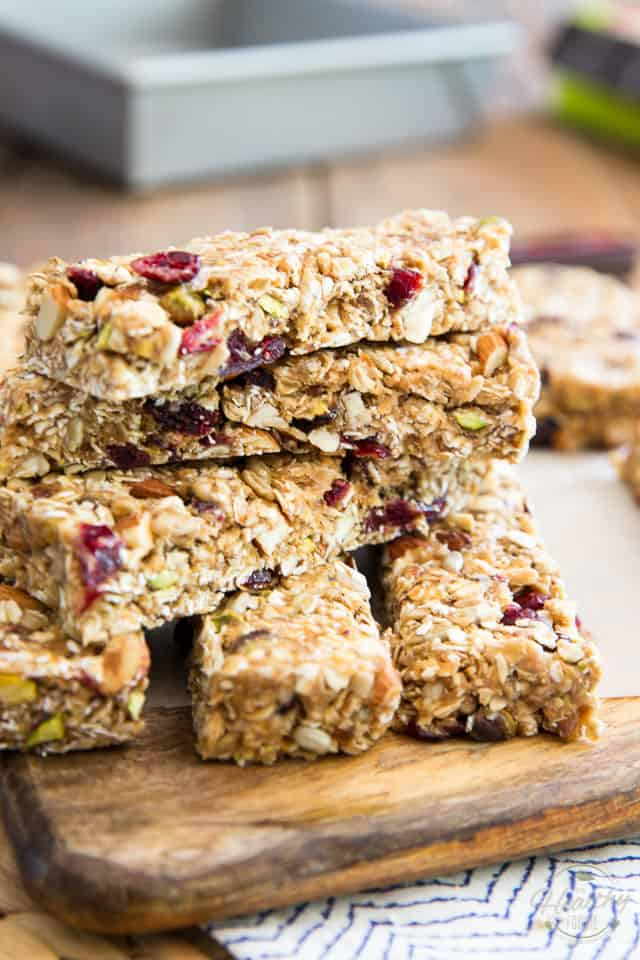 Soft and Chewy Trail Mix Granola Bars by Sonia! The Healthy Foodie | Recipe on thehealthyfoodie.com