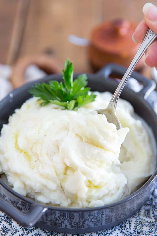 Healthier Mashed Potatoes • The Healthy Foodie