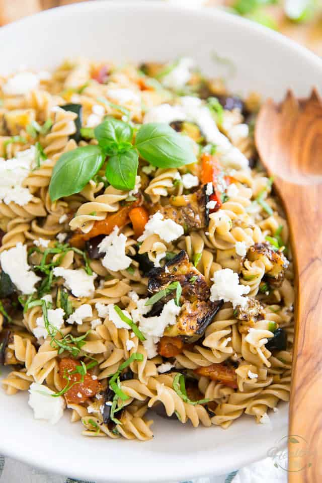 Loaded with tons grilled vegetables such as eggplant, zucchini and roasted roasted bell peppers, topped with a generous amount of creamy goat cheese, this Grilled Vegetables and Goat Cheese Pasta Salad will be the star of your summer meals!