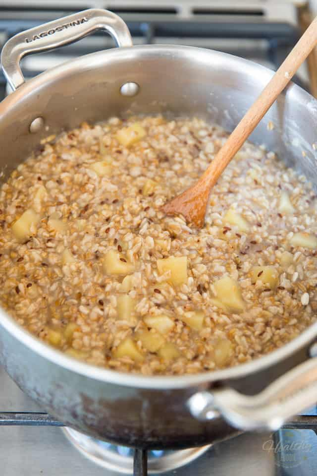 Apple Cinnamon Multigrain Oatmeal by Sonia! The Healthy Foodie | Recipe on thehealthyfoodie.com
