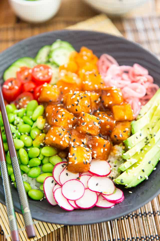 General Tso's Tofu Poke Bowl by Sonia! The Healthy Foodie | Recipe on thehealthyfoodie.com