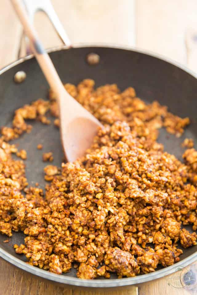 Cook the tempeh stirring often until all the liquid is evaporated and the tempeh starts to crisp up and ressembles cooked ground beef.