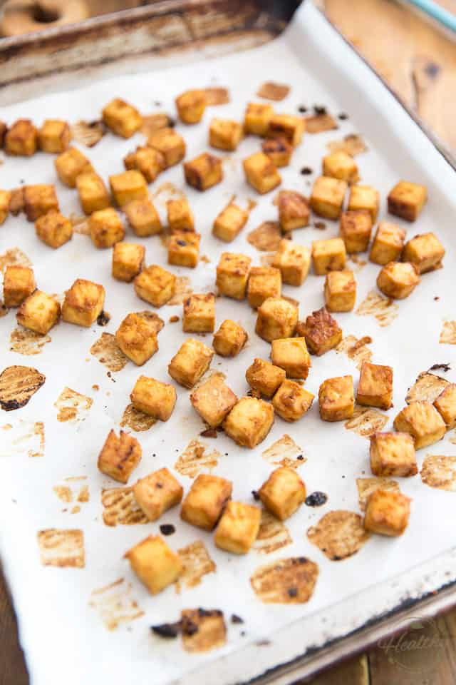 "Panggang tahu di oven sampai berwarna cokelat keemasan ""class ="" wp-image-3436700216 ""title ="" Baked Tofu ""srcset ="" https://thehealthyfoodie.com/wp-content/uploads/2020/05 /Easy-Oven-Baked-Tofu-4.jpg 640w, https://thehealthyfoodie.com/wp-content/uploads/2020/05/Easy-Oven-Baked-Tofu-4-300x450.jpg 300w, https: / /thehealthyfoodie.com/wp-content/uploads/2020/05/Easy-Oven-Baked-Tofu-4-196x294.jpg 196w, https://thehealthyfoodie.com/wp-content/uploads/2020/05/Easy- Tahu Bakar-Oven-4-392x588.jpg 392w, https://thehealthyfoodie.com/wp-content/uploads/2020/05/Easy-Oven-Baked-Tofu-4-294x441.jpg 294w, https: // thehealthyfoodie.com/wp-content/uploads/2020/05/Easy-Oven-Baked-Tofu-4-588x882.jpg 588w ""size ="" (max-width: 640px) 100vw, 640px"
